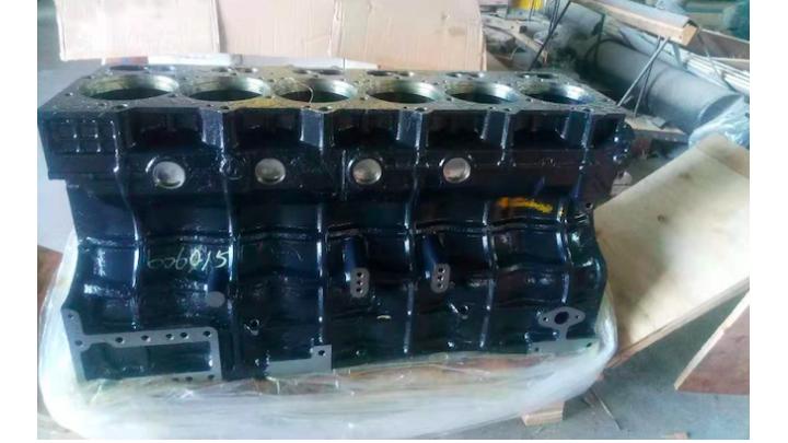 Блок цилиндров  ДВС YC6108
